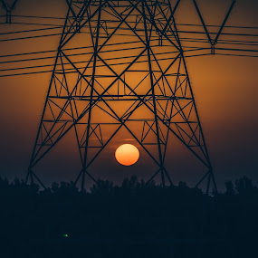 Sunset in Frame by Adam dela Pedra - Landscapes Sunsets & Sunrises ( frame, sunset, horizon, lines, low light )
