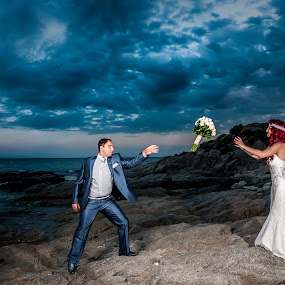 by John Iosifidis - Wedding Bride & Groom