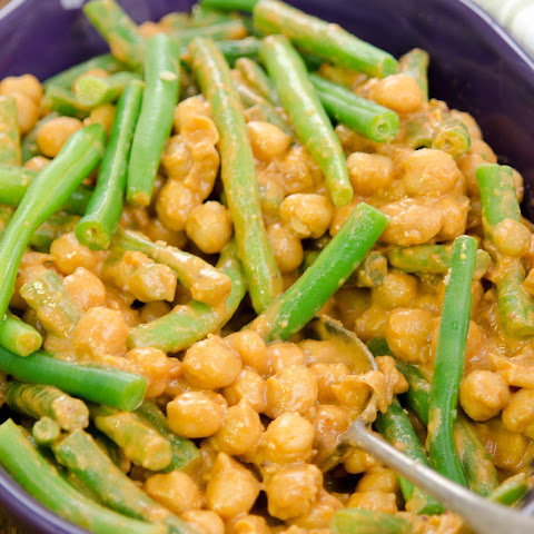 Saucy BBQ Chickpeas and Green Beans [Vegan, Gluten-Free]