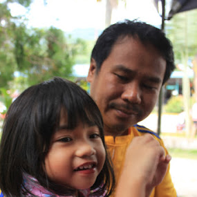 father & daughter by Abd Malik Arip - People Family