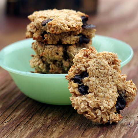 Healthy Oat and Carob Chip Cookies