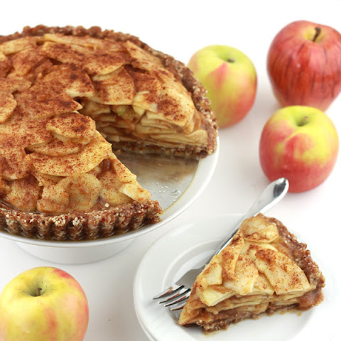 Raw Salted Caramel Apple Pie
