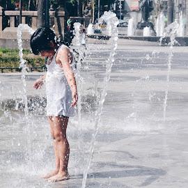 FOUNTAIN KID by Valentina Cantera - City,  Street & Park  City Parks ( fountain, mexico, kid, alameda, water, park )