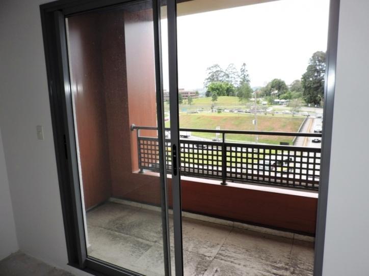 Sala para Venda/Locação - Granja Viana