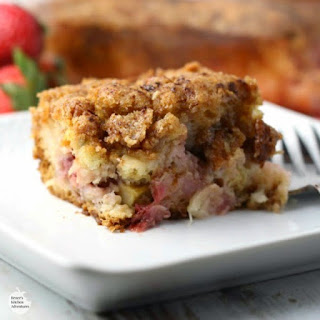 Strawberry Rhubarb Crunch Cake