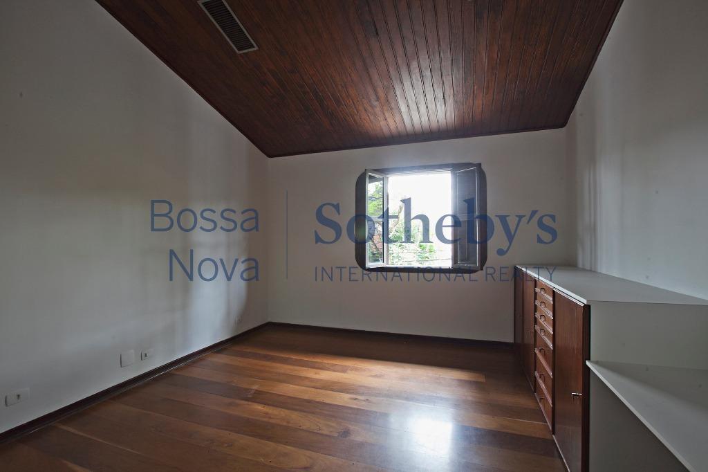 Casa atemporal em Alto de Pinheiros
