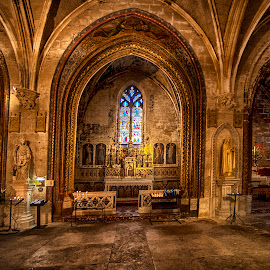 Notre Dame des Ange,Ise de la Sorqu by Stanley P. - Buildings & Architecture Places of Worship