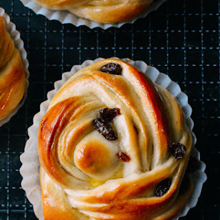Cinnamon Raisin Buns Recipes