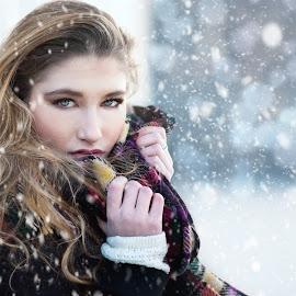 magic snow by Germana De Chellis - People Portraits of Women