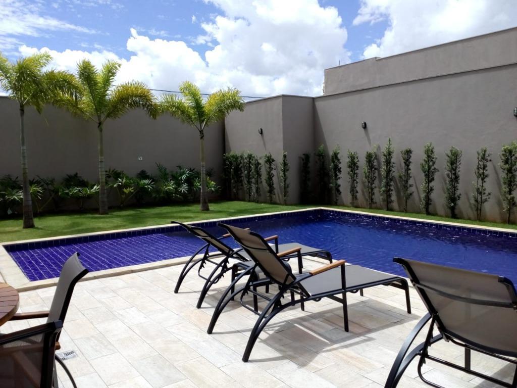 Apartamento de alto padrão localização nobre, próximo do fórum, shopping, farmácias, hipermercados, Clube Uirapuru e da UNIUBE. 5 minutos do centro.