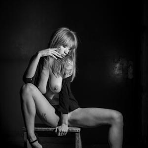 Natasha_©_by_Reto_Heiz-8503.jpg