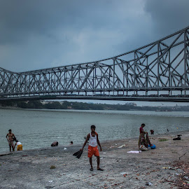The Great Rabindranath Tagore setu(Bridge) by Soureen Manna - Buildings & Architecture Bridges & Suspended Structures ( hanging, british, ganges, architecture, bridge, pollination, people, street photography, river )