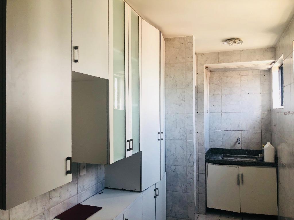 Apartamento com 3 dormitórios à venda, 70 m² por R$ 240.000 - Bessa - João Pessoa/PB