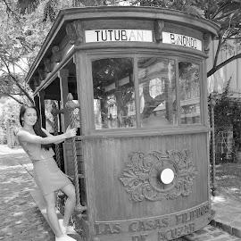 by Fernando Khitri - Black & White Street & Candid