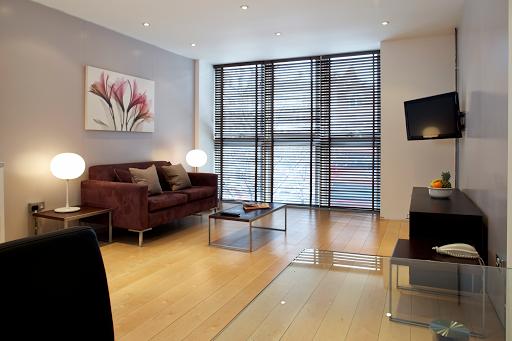 Open Plan one Bedroom Heathrow Apartment