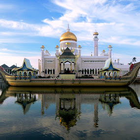 Omar Ali Mosque by Bogdan Penkovsky - Buildings & Architecture Places of Worship ( water, oriental, mosque, east, architecture, brunei, stunning )