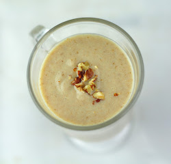 DATE SHAKE WITH MEDJOOL DATES AND ALMOND FLOUR