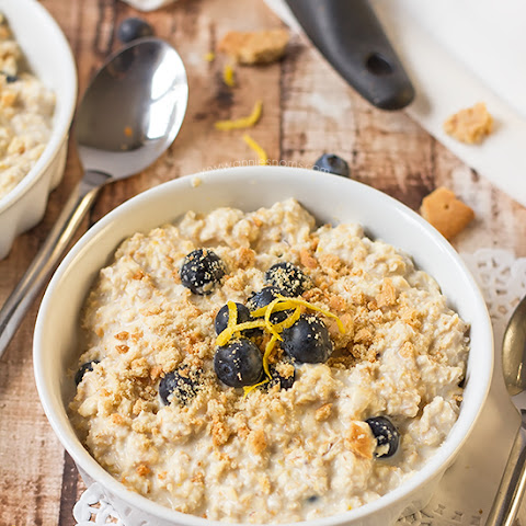Lemon and Blueberry Cheesecake Overnight Oats