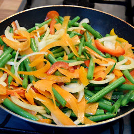 Vegetable with noodles by Andreea Ionaşc - Food & Drink Fruits & Vegetables ( green, food, colors, veggies, chinese )