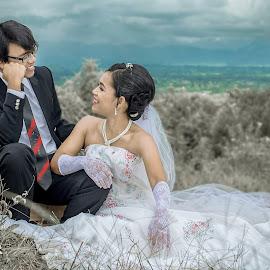 Bride en Groom by Kriswanto Ginting's - Wedding Bride & Groom ( prewedding, wedding, formals, suit, bride and groom, nikon, bride, groom )