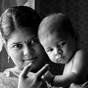 by Vasanth Photographer - People Family ( child, mother, black and white, children, baby,  )
