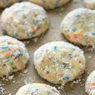 Party-Ready Funfetti Cake Batter Wedding Cookies