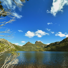 Dove Lake by Lina Sariff - Landscapes Waterscapes