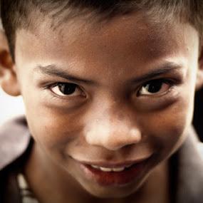 Guatemalan Kid by Luis Cabarrus - Babies & Children Children Candids
