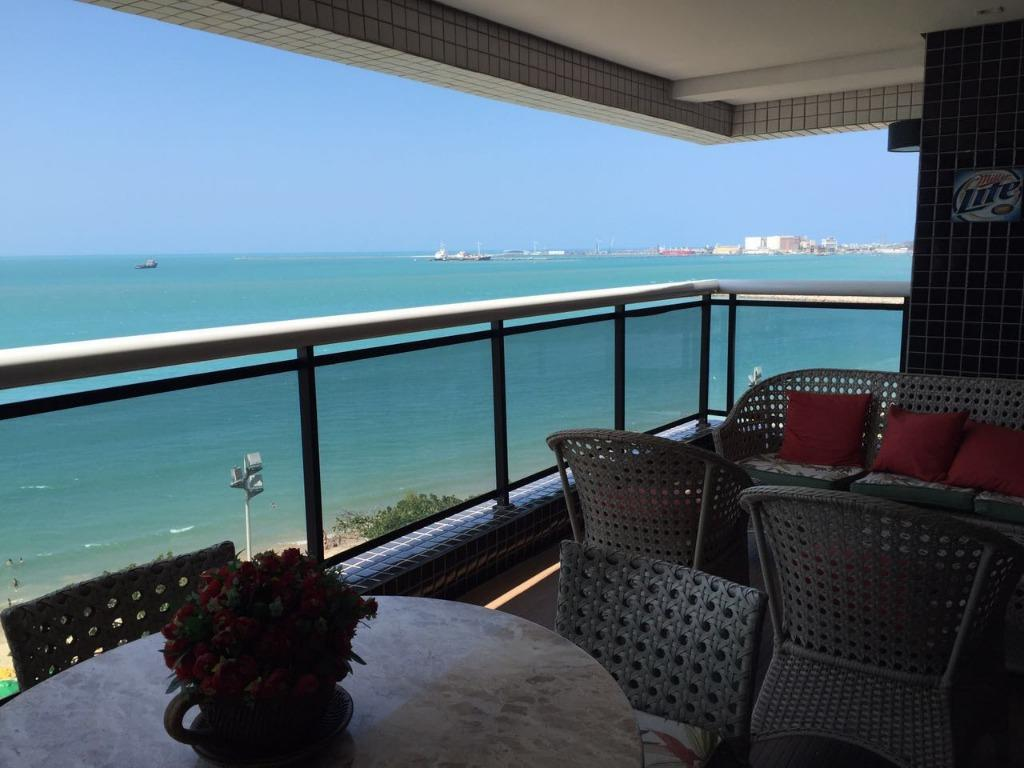Apartamento à venda na Beira Mar, belíssima vista mar, 82m2, 2 quartos, suíte, 100% mobiliado, alto padrão.