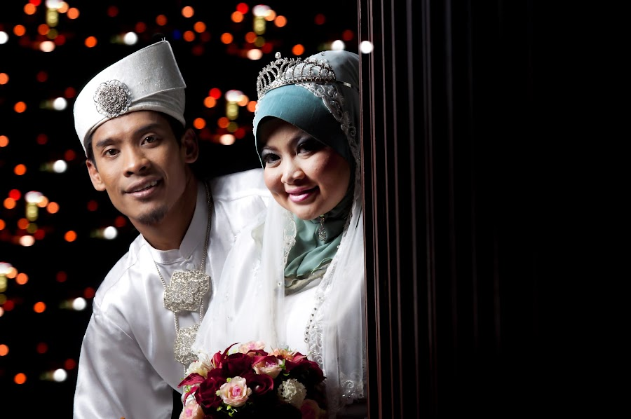 malay wedding by Hafiz Othman - Wedding Bride & Groom ( save the date, wedding, malay, bride, groom )