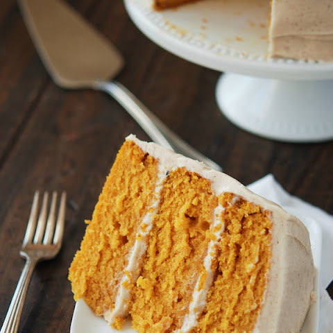 Pumpkin Cake with Cinnamon Cream Cheese Frosting