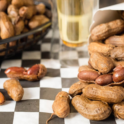 Crock Pot Garlic and Onion Beer Boiled Peanuts