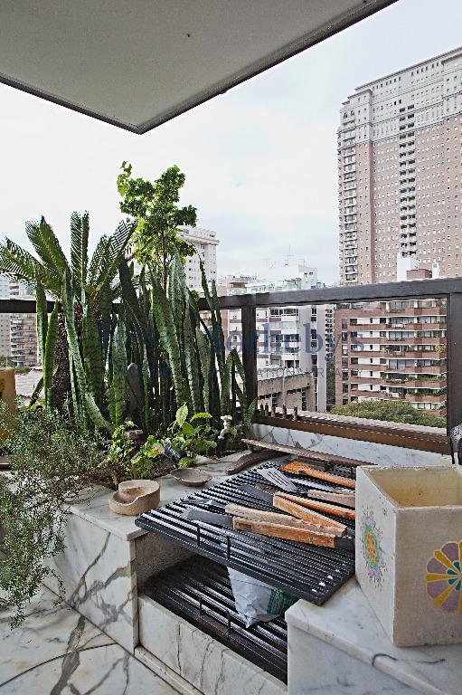 Para morar com estilo e com vista permanente em frente ao Clube Pinheiros