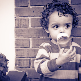 Felipe by Andro Zeledón - Babies & Children Child Portraits ( children, baby, people, baby boy, portrait, kid )