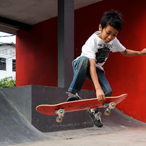 Boneless by Kèn Nugraha - Sports & Fitness Skateboarding