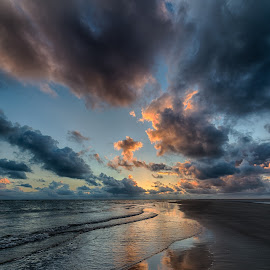 Cloudporn at the beach by Froddy Baun - Landscapes Beaches ( water, clouds, sand, reflection, fanø, waves, beach )