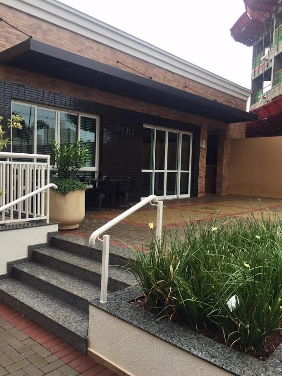 Apartamento com 3 dormitórios para alugar, 69 m² por R$ 1.500/mês - Santa Rosa - Londrina/PR