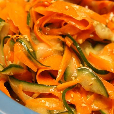 Asian Cucumber & Carrot Salad