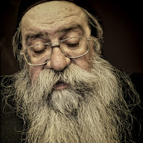 85 years old and never cut his beard by Bruce Martin - People Portraits of Men ( senior citizen, face, people )