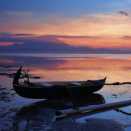 A Morning at Sanur Beach, Bali. by Ronny Haryanto - Transportation Boats ( bali, sanur, beach, morning )