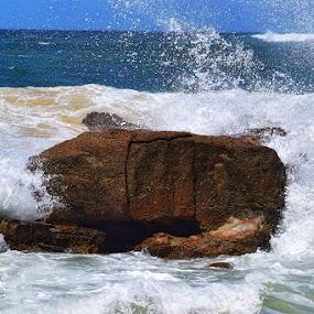 Splishy, splashy sea by Amanda Daly - Novices Only Landscapes
