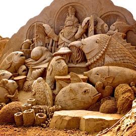 sand sculpture by Donna Racheal - Buildings & Architecture Statues & Monuments ( sand, sand sculpture, statues, beach, artwork,  )