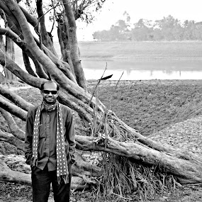 সহজ মানুষ by Akash Islam - People Portraits of Men
