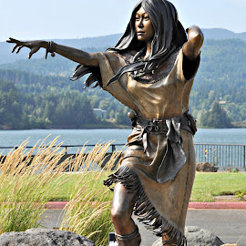 Sacajawea Pointing the Way West by Leise Wease  Photography - Buildings & Architecture Statues & Monuments ( bronze, lewis and clark, statue, heritage, culture, native american,  )