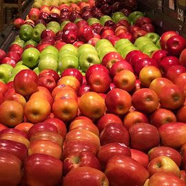 An Apple a Day Keeps the Dr Away... by Carrie Cadenas - Food & Drink Fruits & Vegetables ( apples )