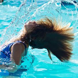 Hair splash by Paula NoGuerra - Babies & Children Children Candids ( child, splashing, splash, candid, childhood )