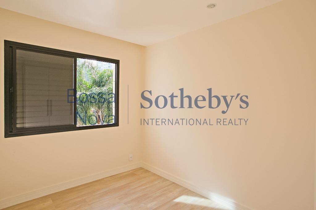Apartamento em condominio privilegiado no Panamby