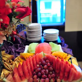 The fruits on the plate by Mohamad Sa'at Haji Mokim - Food & Drink Fruits & Vegetables ( grape, pwcfruit, fruits, slice, watermelon, stocks )