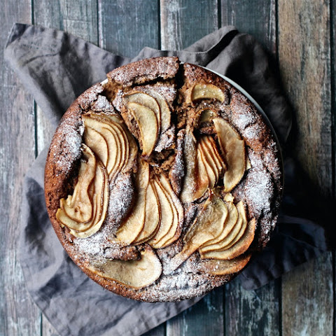 Spiced Almond & Pear Cake