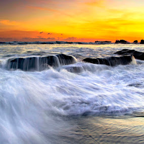 Mengening Motion by Agus Devayana - Landscapes Waterscapes